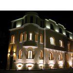 Particolare illuminazione notturna esterna palazzina uffici in Bucuresti - Romania